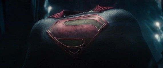 Man-of-Steel-Trailer-Images-The-Superman-Costume-Suit-570x237